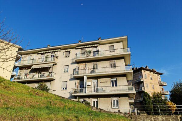 Biella - alloggio 5 locali
